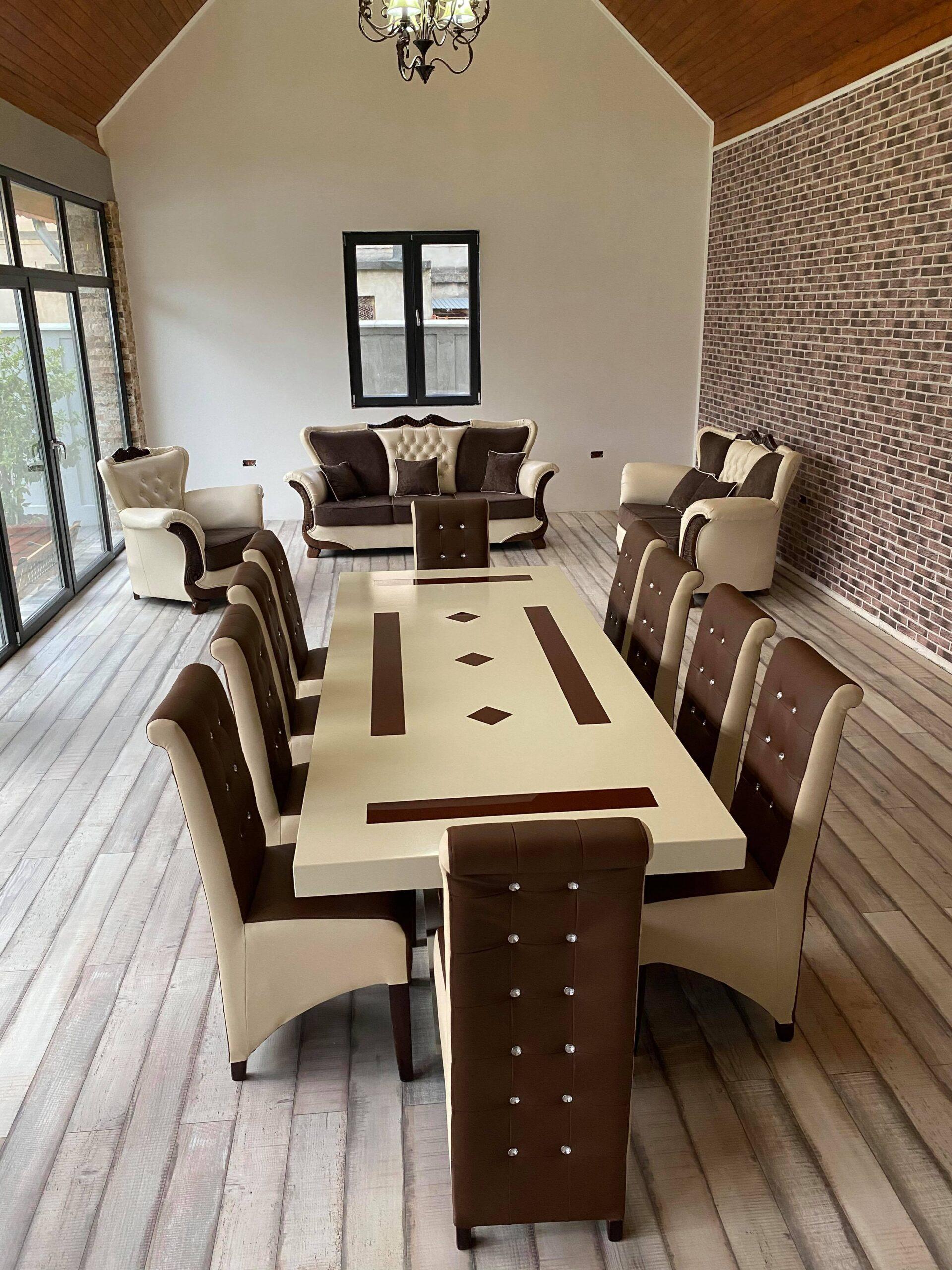 mobilier din lemn masiv la comanda, mobila din lemn masiv la comanda, mobilier, coltare, paturi, usi, seturi de mese si scaune